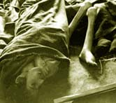 Female_corpses_in_Dachau-1945